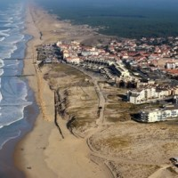 Face à l'érosion, Lacanau envisage de déménager les logements et commerces du front de mer