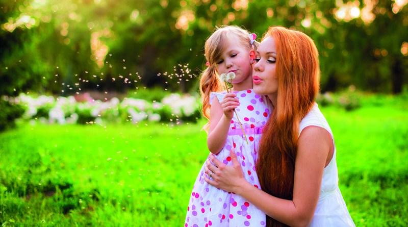 Pollenzeit ist im Anflug - Mutter mit Tochter