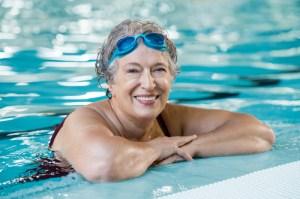 Sport-Schwimmen-4-Schritte-zu-glatter-Haut-das-hilft-bei-Cellulite