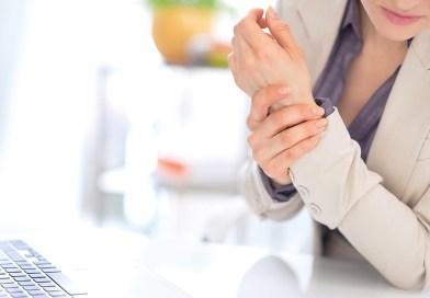 Gelenkschmerzen: Kurkuma und Weihrauch helfen