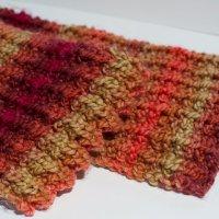 Tricoter une écharpe en fausses côtes anglaises