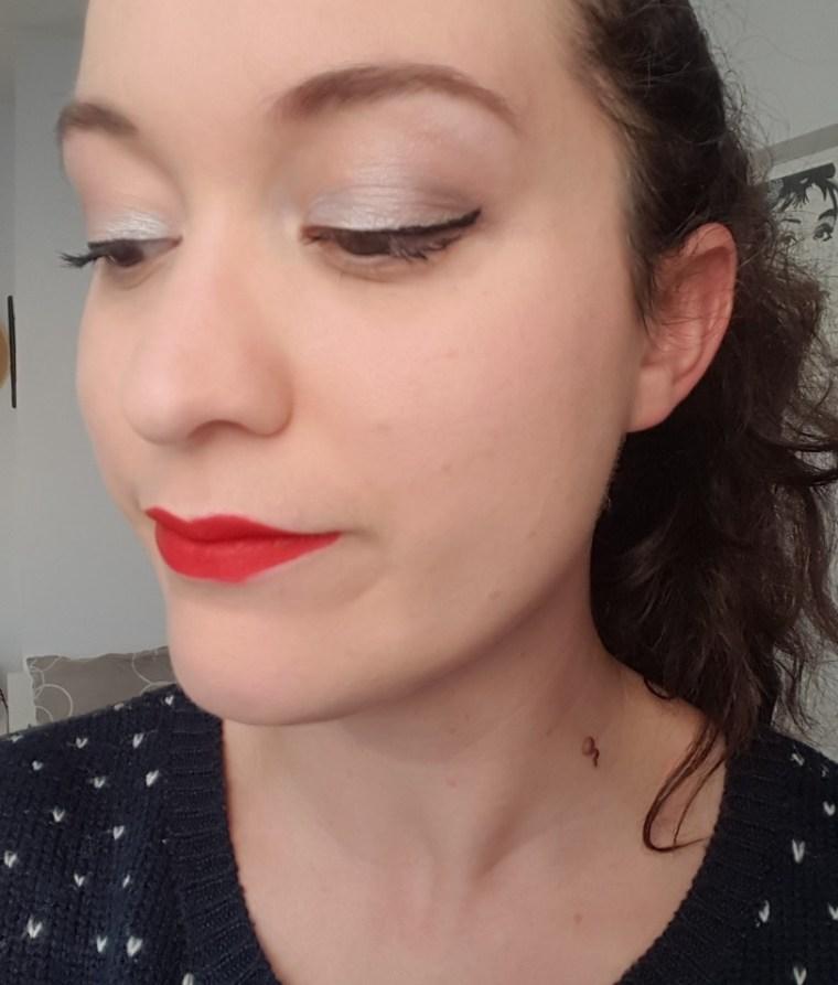 maquillage noel yeux fermés