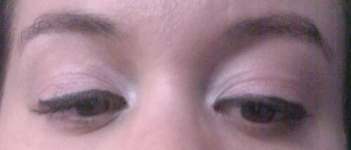 2-yeux-fermes-the-body-shop-2.jpg
