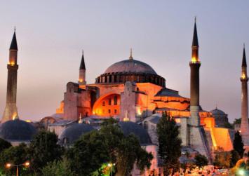 Νέα τουρκική πρόκληση: κάλεσμα για προσευχή μέσα στην Αγιά Σοφιά!
