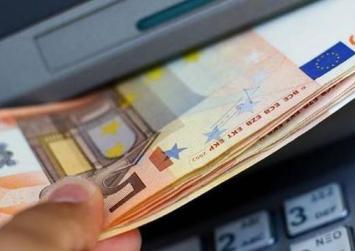 Πώς θα γίνονται οι αναλήψεις των 840 ευρώ ανά 15ήμερο
