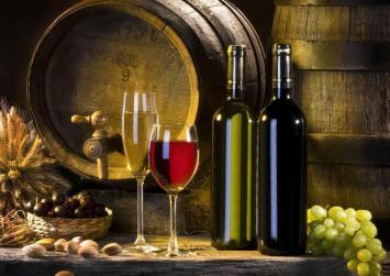 Κατάργηση του φόρου στο κρασί ζητούν ΠΑΣΟΚ-ΔΗΜΑΡ