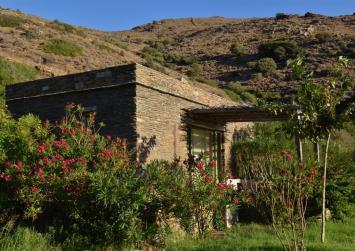 Πέντε φορές πάνω ο φόρος για τις αγροικίες