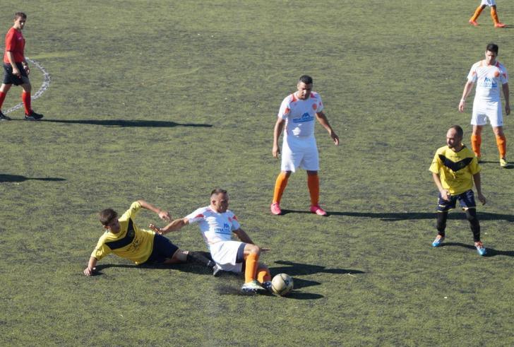 Με σύμμαχο τα δοκάρια , 2-0 ο Κόρακας τη Βόνη για το κύπελλο
