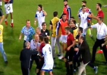 Επεισόδια σε αγώνα ποδοσφαίρου Τουρκίας – Κύπρου…και έξι αποβολές!