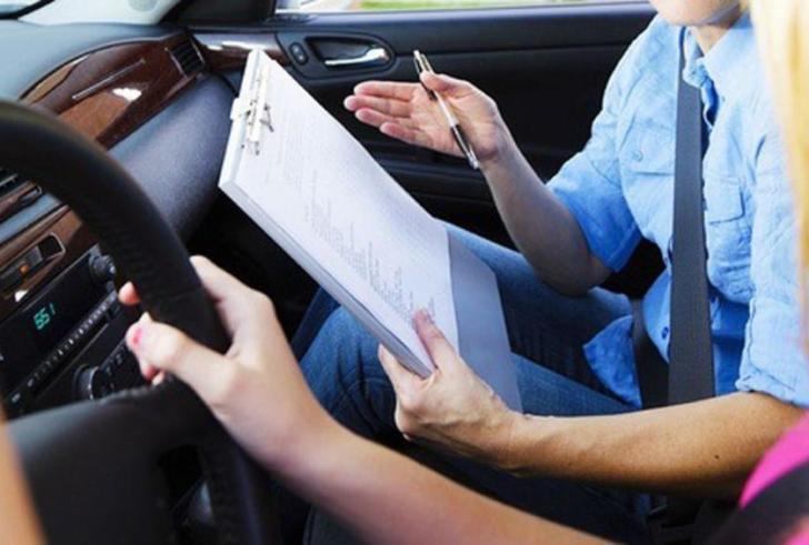 Τσουχτερά διπλώματα οδήγησης