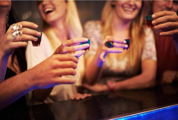 Ηράκλειο: Σε ημικωματώδη κατάσταση 17χρονη, μετά από κατανάλωση αλκοόλ