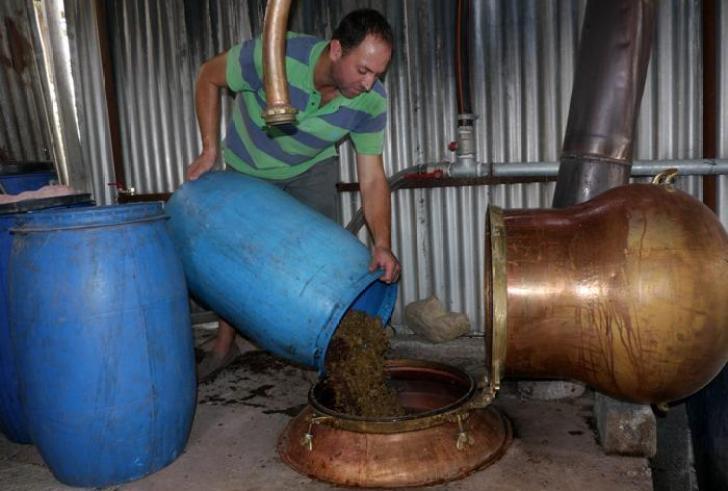 Κρήτη: Προσφέρουν την τσικουδιά τους για την παραγωγή οινοπνεύματος!