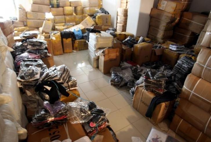 Ηράκλειο:Βρήκαν δεκάδες χιλιάδες μαϊμού προϊόντα