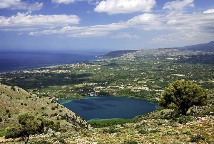 Η στοιχειωμένη λίμνη της Κρήτης