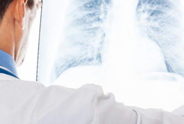 Φαίνεται να απειλείται η 17χρονη από τον ακτινολόγο