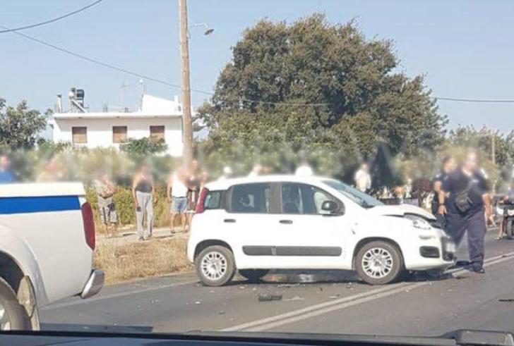 Σφοδρή σύγκρουση αυτοκινήτων