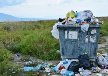 Σε ιδιώτη η αποκομιδή των απορριμάτων σε Λέντα και Αη- Γιάννη (βίντεο)
