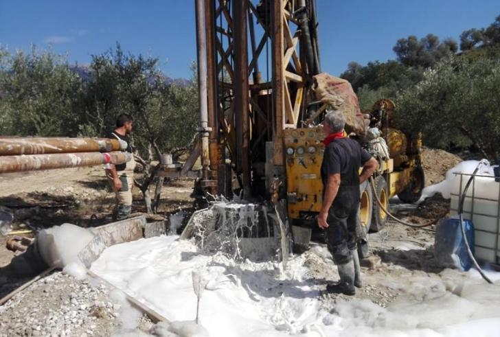 Γεωτρήσεις στα 15 μέτρα και άφθονες ποσότητες νερού στο Ζαρό