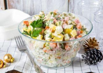 Τέσσερις σαλάτες για το γιορτινό τραπέζι