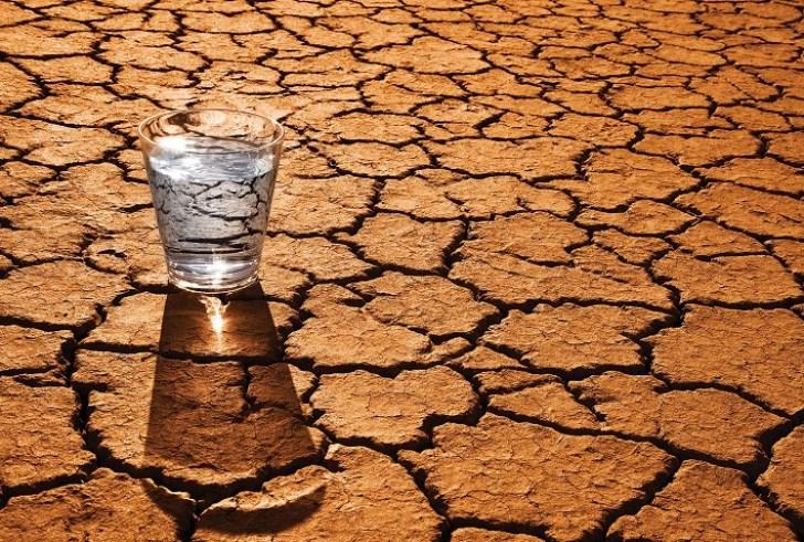 Έφτιαξαν πρωτοποριακή συσκευή που παράγει νερό από την έρημο