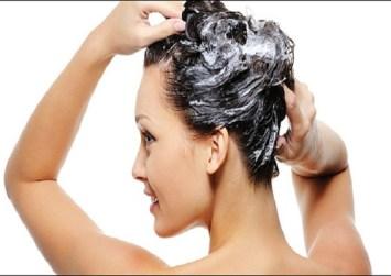 Λούσιμο μαλλιών: 10 κοινά λάθη που πρέπει να αποφεύγετε