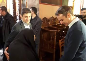 Σε εγκάρδιο κλίμα η επίσκεψη Μητσοτάκη στην Ιερά Μονή Καλυβιανής (φωτογραφίες)