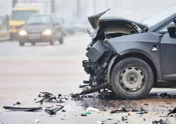 Σοβαρό τροχαίο με τραυματισμό νέων ανθρώπων στο Ηράκλειο!