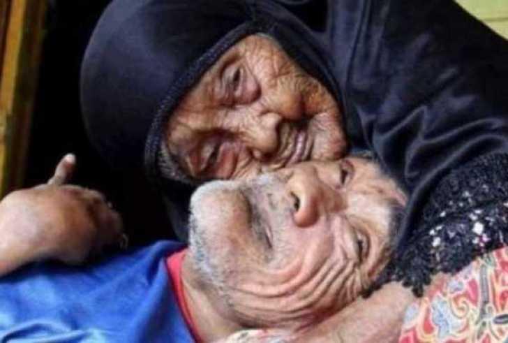 Μέχρι τα 101 της φρόντιζε τον ανάπηρο γιο της