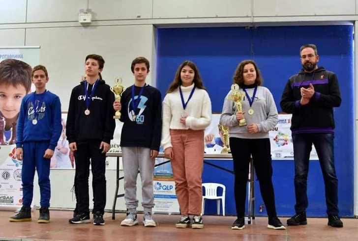 Σημαντικές επιτυχίες μαθητών από τη Μεσαρά στους Σχολικούς Αγώνες Σκάκι (φώτο+βίντεο)