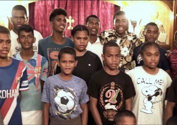 """Νέα Ζηλανδία: Το πρώτο """"Χριστός Ανέστη"""" στον κόσμο από τον Μητροπολίτη  Μύρων Κτιστάκη από την Πλώρα!"""