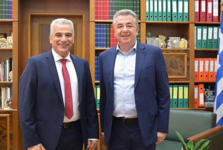 Στο συνδυασμό του Σταύρου Αρναουτάκη ο καθηγητής του Πανεπιστημίου Κρήτης Δημήτρης Ξενάκης