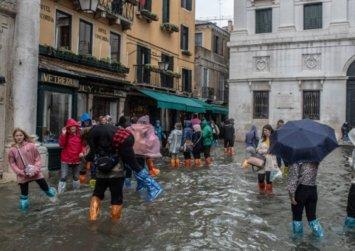 Βούλιαξε η Βενετία -Πλημμύρισε όλη η πόλη, σε ιστορικά υψηλά το νερό