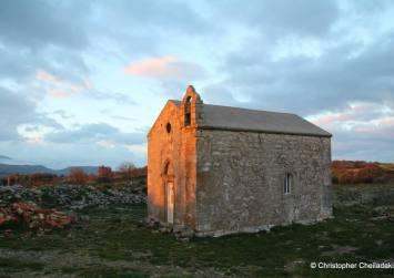 Ιερός Ναός Αγίου Ιωάννη Θεολόγου ανάμεσα στηνΑγία Βαρβάρακαι τηΜεγάλη Βρύση