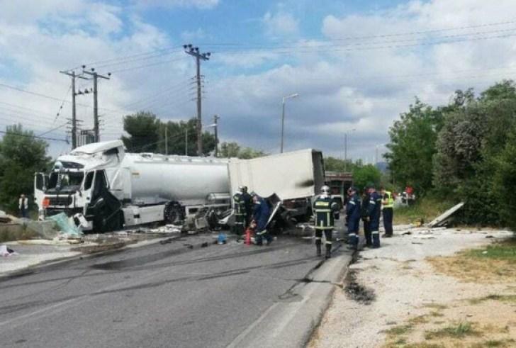 Δύο νεκροί και ένας τραυματίας στο τροχαίο με το βυτιοφόρο στην Κορωπίου-Μαρκοπούλου
