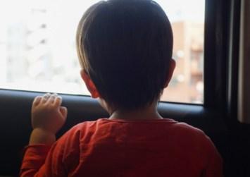Κάλυμνος: Μητέρα κλείδωσε παιδί μέσα σε ΙΧ για να πάει στη δουλειά της