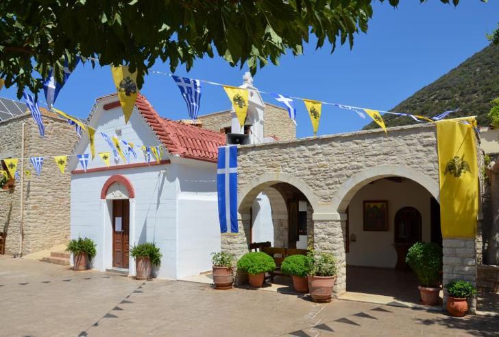 Δεκαπενταύγουστος στην Κρήτη: Πόλος έλξης η Παναγιά η Χαρακιανή