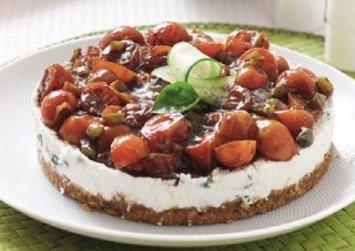 Αλμυρό cheesecake «χωριάτικη σαλάτα»