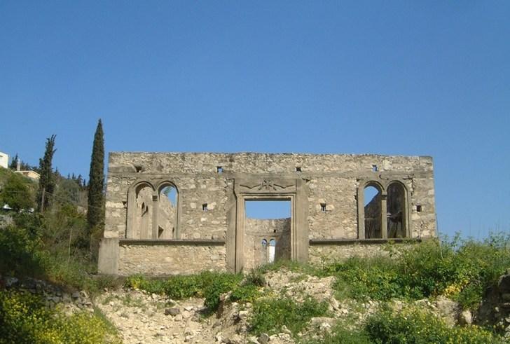 Ο ναός που… δεν αποπερατώθηκε ποτέ στον Αμπελούζο