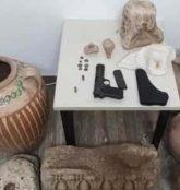 Μεσαρά: Με χειροπέδες 59χρονος για όπλα και αρχαία