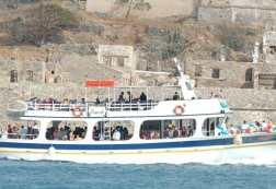 Κρήτη: Παρασύρθηκε σκάφος με 107 επιβάτες από τον άνεμο