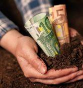 «Xαμόγελα» για τους αγρότες - Μοιράζει χρήμα ο ΕΛΓΑ