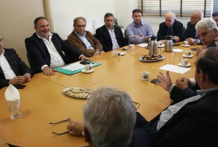 Oι Δήμαρχοι της Κρήτης συζητούν το προσφυγικό