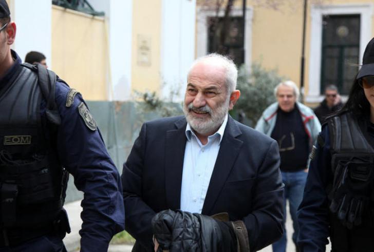 Ο Γιάννης Σμπώκος αποφυλακίστηκε με περιοριστικούς όρους