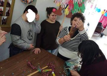 Τα παιδιά του ΠΑΑΠΑΗΚ Πόμπιας επισκέφθηκαν τους ηλικιωμένους στο ΚΗΦΗ Γόρτυνας (φώτο)