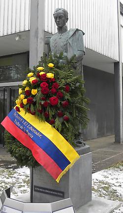 https://i2.wp.com/www.aporrea.org/imagenes/2010/12/en_honor_al_padre_de_la_patria_p.jpg