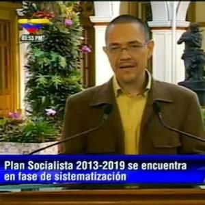 Ministro de Comunicación e Información Ernesto Villegas