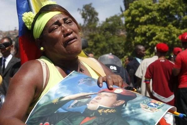 Expresiones de dolor del Pueblo que acompaña a Chávez