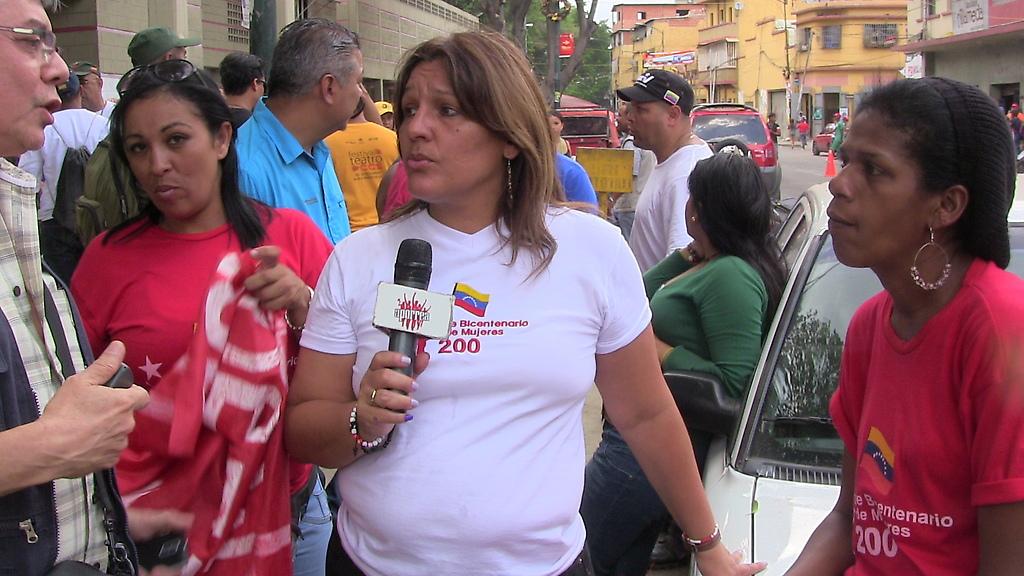 Analleris Méndez vocera del Frente Revolucionario Mujeres 200 en  la rueda de prensa en San Agustín del Sur