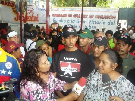 La compañera Teresa Villegas, entrevistada, junto a Gregorio parra, de los Tupamaros, también en la lucha de los trabajadores de Industrias Diana