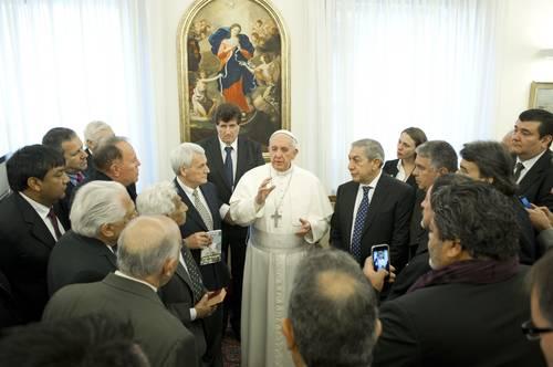 El papa Francisco recibió ayer a representantes sindicales argentinos en audiencia privada celebrada en el Vaticano
